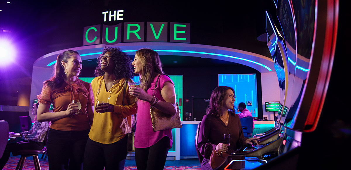 The Curve Bar