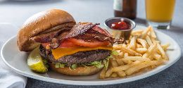 canal-street-cafe-burger-sandwich-lunch-potawatomi-thumb.jpg