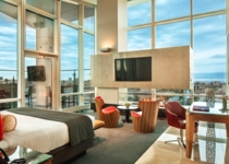 The new hotel tower featured the largest suite in Milwaukee, the Presidential Suite, boasting beautiful views of the city skyline.